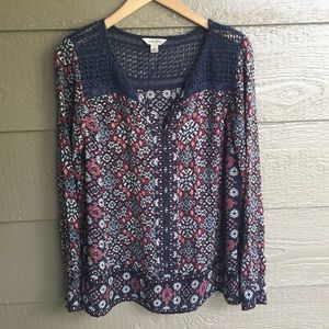Lucky brand navy floral lace Accent Swingy blouse
